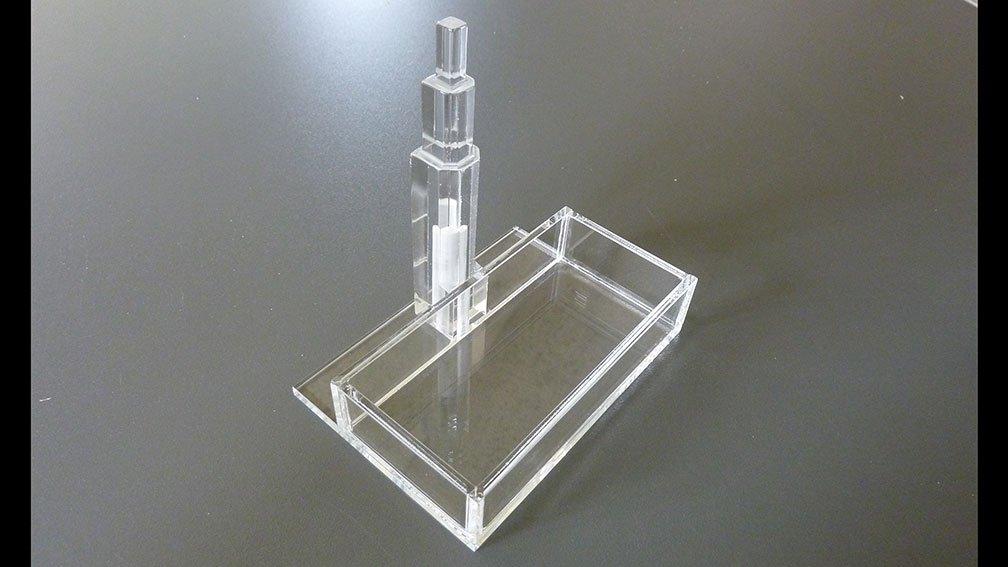 Extrem Plexiglas® biegen: Professionelle Bearbeitung von Acrylglas - My CMS YT74